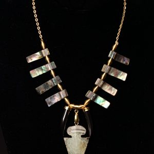 b Shell And Green Agate Arrowhead Necklace