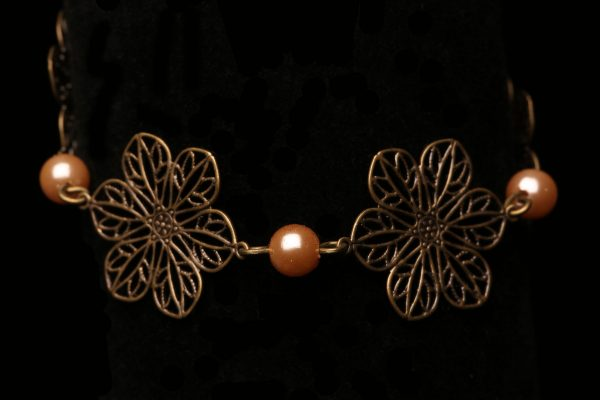 #285 Bronze Daisy Chain And Pearl Bracelet