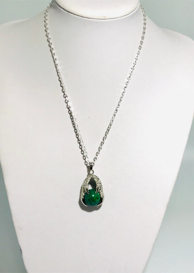 Unisex Necklace With Malachite Claw
